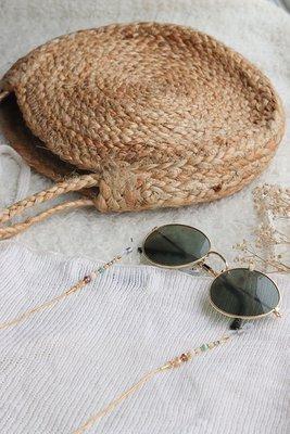 *Holder de lentes simple con Ópalo Verde   *La cadena es de acero, el alambre que sostiene las piedras es de fantasía.