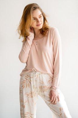 Pijama de algodón.  2 piezas: pantalón elástico y polo manga larga rosada.