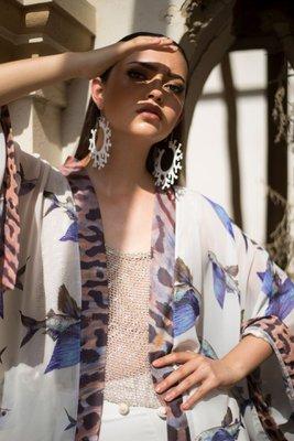 Kimono de seda muss con estampado con motivos marinos en acuarela.