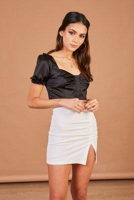 Mini falda crepe lycrado.  Material: 80% polyester 20% lycra