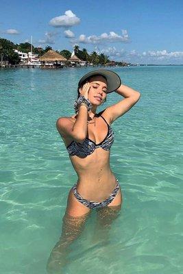 Bikini disponible solo con el bottom low waist.