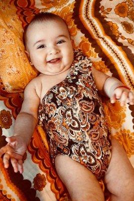 Bikini para bebé de 6 a 12 meses.  Disponible en tallas 4, 8 y 10.