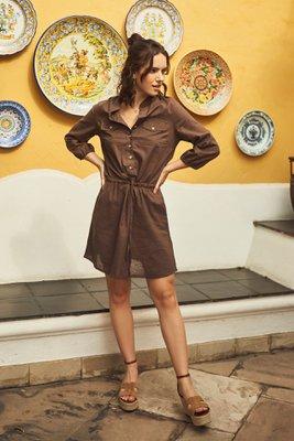 Vestido mini estilo camisero, 100% Lino. Detalle lazo en cintura