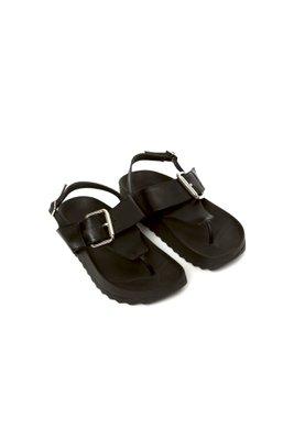 Sandalias de cuero con una tira al tobillo y una hebilla en la franja horizontal  CAPELLADA: CUERO NATURAL / FORRO: BADANA NATURAL