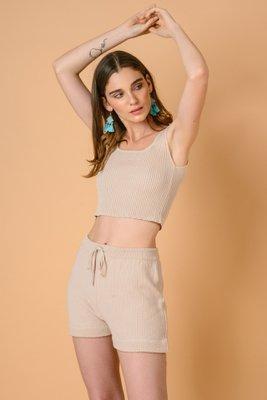 Short tejido, color beige. Material : hilo algodón tanguis. Ideal para un Look casual.