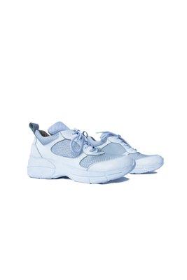 Zapatillas 100% cuero por dentro y por fuera.Los diseños son unicos ya que hacemos pocos por cada modelo color. Son productos hechos a mano por artesanos peruanos.  Horma exacta.  Talla 36:23.5cm  Talla 37: 24 cm  Alto: 4 cm