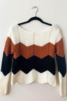 Sweater tejido semi calado cropped. Textura suave Corte cropped Made in Italy                                            Material & cuidado 95% Acrílico 5% Poliester Lavar en agua fría a mano  Cintura Largo  40CM 40CM
