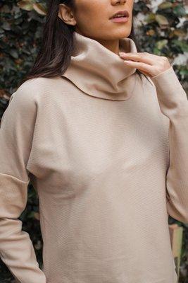 El material del polo Bruselas es de rib 20/1 full cotton, es decir que es una tela acanalada.  Medidas:  Busto:STD: 102 cm  Cintura:STD: 102 cm  Largo:STD: 50 cm