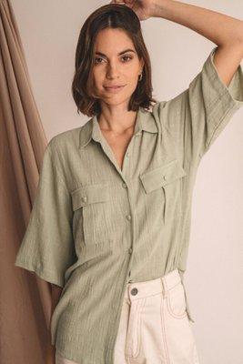 Blusa traslucida  Busto: 50cm  Largo: 68cm  Prenda tejida de 100% algodon