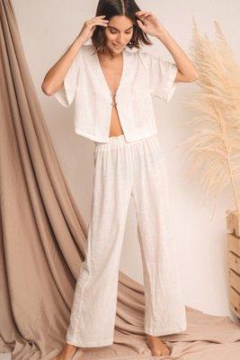 Pantalon agua  Talla S: cadera 29 cm, largo 102 cm  Talla M: cadera 31 cm, largo 103 cm  Prenda tejida de 100% algodon