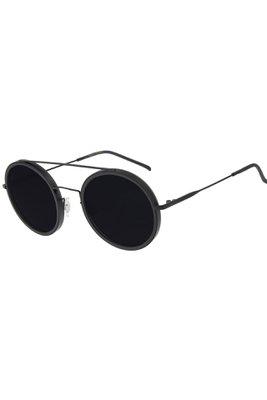 Completa tu estilo con los increíbles lentes y relojes que Chilli Beans tiene para ti. Úsalos en invierno o verano, de día y de noche, cómo y cuándo tú quieras. ¡Tus Chilli son tu perfect match, disfrútalos y vive picante  Alto: 3 cm  Ancho: 15 cm  Largo: 6 cm  Delgado