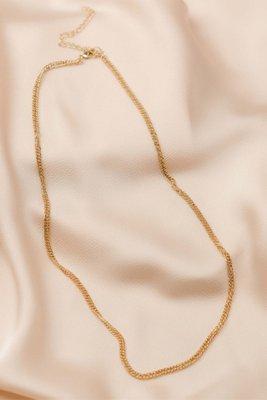 Medida: Largo 55 cm de largo + 8cm. de regulable  Material: Metal bañado en oro de 18k.  Cuidados: Evitar la exposición al agua o humedad extrema.