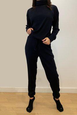Conjunto de algodón. Cuello Alto y Pantalón Jogger.  *color referencial
