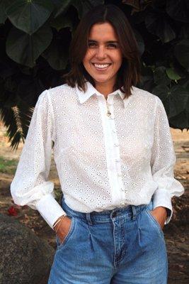 Nuestra blusa Gia está hecha con un hermoso Broderie que te hará sentir extra linda! Las mangas bombachas le dan ese toque romántico, femenino y único!
