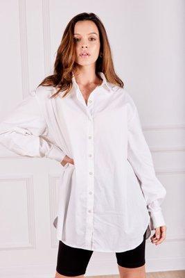 Camisa oversized confeccionada en popelina strech.      Largo 82 cm Ancho 100 cm Largo de manga 57 cm