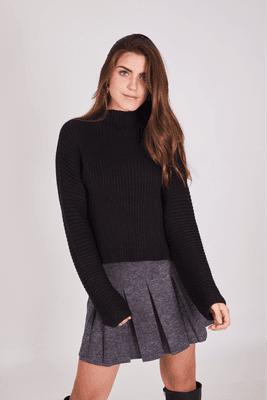 Mini falda de algodón.  Talla standard: se amolda al cuerpo en la cintura, le da a una talla 26 a 30.