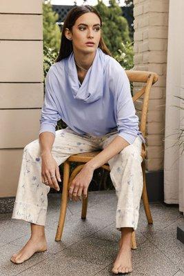 Pijama Martina Pink Marfil-100% algodón - Exclusivo de Plumas  Talla S:Pecho: 96 / Cintura 66 / Cadera 98  Talla M: Pecho: 100 / Cintura 70/ Cadera 102  Talla L:Pecho: 106 / Cintura 74 / Cadera 106