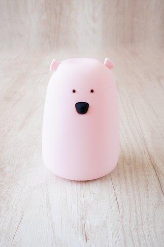 Lámpara recargable (usb) en forma de oso rosado.  Medidas aprox: 16cm x 12cm