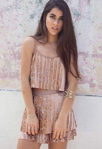 Mini falda velvet en dos colores: Rose Gold y Acero.      Medidas:  Talla Cintura Largo S 78cm 33cm