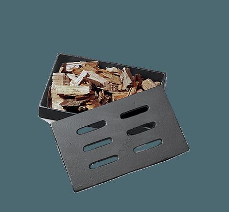 * Permite que trozos de madera formen brasas sin llamas.  * Cuerpo y tapa de hierro fundido duradero.  * Ventilación directa del humo hacia la comida.  * No aplica otras promociones.  * LOS CAMBIOS Y/O DEVOLUCIONES APLICAN ÚNICAMENTE POR PROBLEMAS TÉCNICOS.