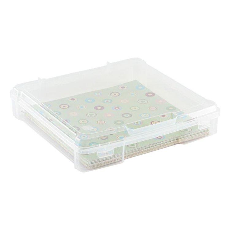 """Mantenga sus papeles, páginas y más de 12 """"x 12"""" en perfectas condiciones almacenándolos en el We R Memory Keepers Craft Storage Bin 12 """"x 12"""" Craft and Photo Case.   El paquete incluye una caja de almacenamiento y fotografía para manualidades que mide 13.5 """"x 12.5"""" x 2.25 """"."""