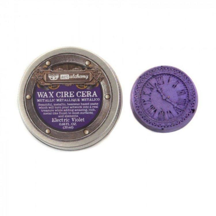 Patina Metalica - Electric Violet de Prima  Pasta wax metálica que le dará a tus proyectos un acabado metálico. Ideal para usar con la mayoría de las superficies como cartulina, madera, metales y otros elementos de mixed media.  contiene 0,68 oz .  Equipo Scrapyart