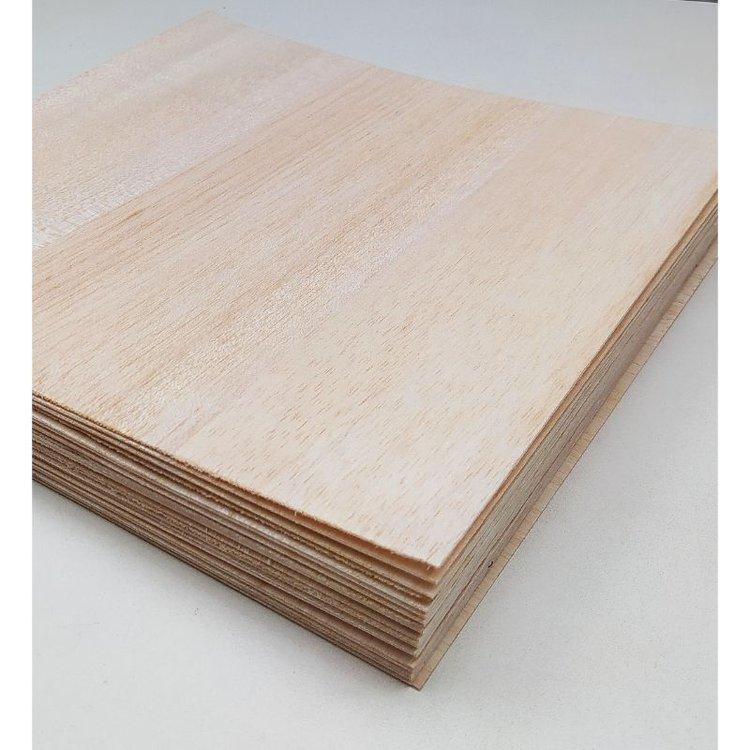 Madera Balsa Pack x 3  Decora y embellece tus proyectos con madera balsa, especial para cortar con la Scan & Cut de Brother.  Tamaño: 30 x 30 cm  Equipo Scrapyart
