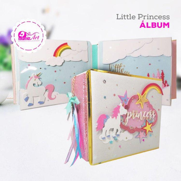 """Albúm""""Little Princess"""" (Hazlo túmismo)  Forrado con lino, contiene 4 páginas, 5 estructuras Pop-Up con tapas.  Medidas: 21cm x 18cm, Lomo de 8cm.  Capaciad: 33 fotos  incluye materiales y video  Equipo Scrapyart"""