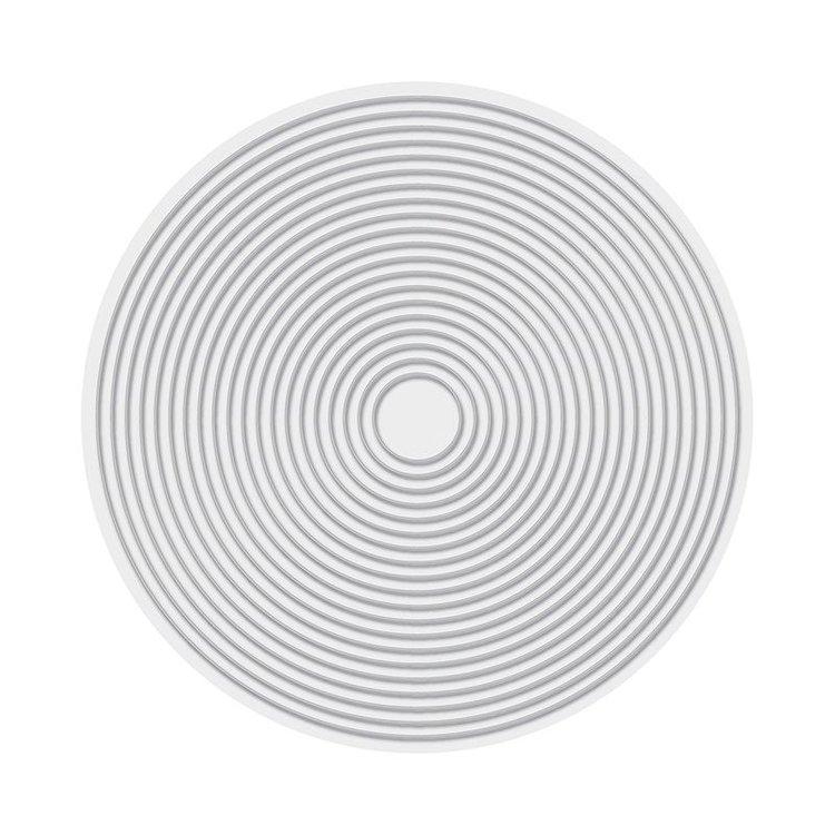 Troquel Circle  Troquel de diseño exclusivo de WeR Memory Keepers de excelente aleaciónque garantiza su durabilidad, buen corte, perfecto embossado y libre de corrosión. Es compatible con todas las marcas conocidas de troqueladoras como: WeR, Sizzix ,Ellison , CuttleBug, SpellBinders entre otras.  Corta papel, cartulina , foami, tela ,paño lenci, láminas de aluminio.  Incluye : 20 Troqueles  Equipo Scrapyart    Equipo Scrapyart