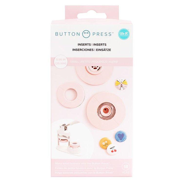 Base de Insertacion Small - Button Press   Adaptador Pqueño de 25mm ( 2.5cm ) para la máquina Button Press. Este adaptador te permitirá hacer diseños más pequeños, siendo este el adaptador de menos tamaño de los tres disponibles para trabajar con la Button Press Incluye piezas para realizar hasta cinco chapas. Equipo Scrapyart