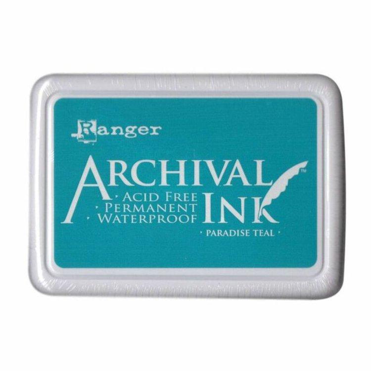 Tinta Archival Ink  La tinta Archival Ink es una gama que proporciona resultados permanentes una vez estampado en múltiples superficies: cartulina, foil metálico, plástico mágico, papel, etc.  Te permitirá obtener una imagen nítida incluso sobre otras tintas o rotuladores a base de agua, pintura acrílica, acuarelas o Perfect Pearls.  Las características de esta tinta permite el estampado para posteriormente ser coloreado.  Características:  - Libres de ácido  - No tóxicos  - Resistentes al agua  - Permanentes sobre papeles mates y brillantes, para papeles brillantes se recomienda el secado con calor.