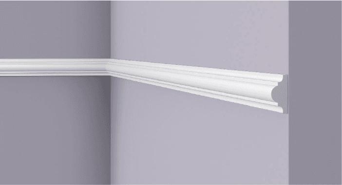**Precio por Unidad**  - Longitud: 2 m -Altura: 38 mm -Ancho: 18 mm - Material compuesto de poliuretano extruido: espuma homogénea de células finas y  compactas, de color blanco. - Densidad: Ca. 220 kg/m3 - Temperatura de colocación: +10°C a +30°C  (idealmente +15°C a +25°C). - Temperatura de utilización: max. +70°C - Dureza de la superficie: ca. 30 según la norma DIN 53505/ISO 868.  Capa de pintura de imprimación acrílica blanco mate, para ser cubierta con otras capas de pintura. Superficies perfectamente lisas con extremos bien definidos. Superficie estriada en el dorso para facilitar la adherencia del pegamento. Las superficies deben estar limpias, secas, desempolvadas, desgrasadas y lisas; deslustrar si es necesario. Las molduras WALLSTYL pueden pintarse sin inconveniente con pinturas sin solvente (por ejm., pinturas en dispersión, lacas acrílicas, etc.).