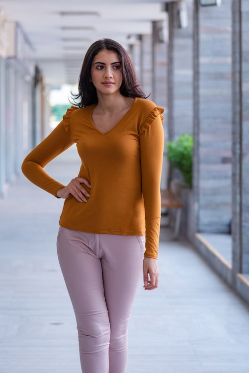 Disponible en tallaS - M - L  Material :Tela piel de durazno , tiene una textura lisa y suave.
