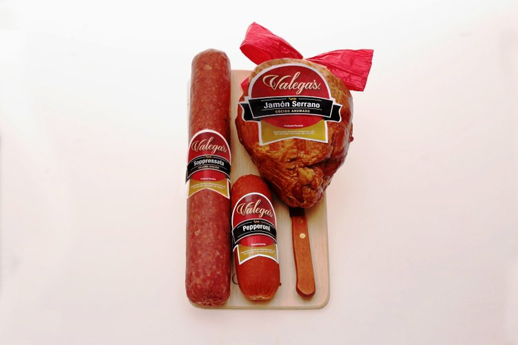 Jamón BB, Pepperoni y Solomillo.