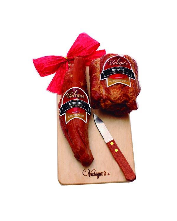 Bongiola de 500gr acompañada por 350gr de Solomillo en tablita y cuchillo
