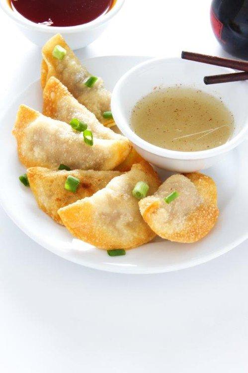 Suy Kao frito (docena y 1/2) Gallina a la sal Taufú relleno con langostino Pollo LIMÓN KAY (agridulce) Costilla de chancho KIN TU Arroz chaufa especial(8 porciones)