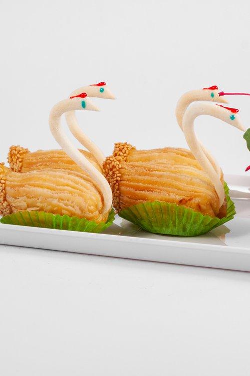 Cisne de Hojaldre, relleno del tradicional dulce chino de camote y queso.