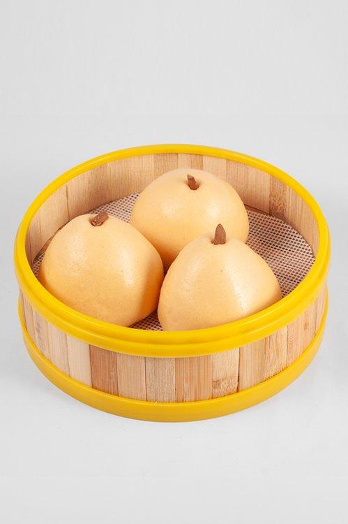 Masa de bao rellena con el tradicional dulce chino de camote y queso.